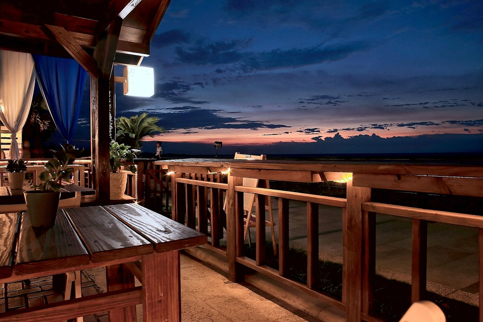Moving coastside – how to choose a good beach house?