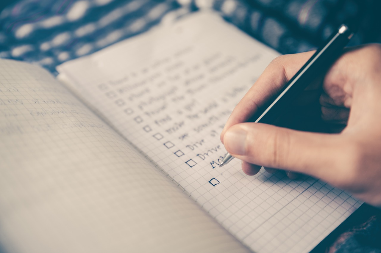 Moving-out checklist to implement