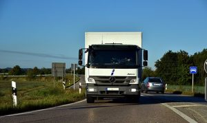 The best way of protecting property during interstate transport is to hire professional movers.