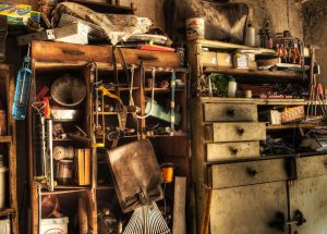 Keep your garage well organized to prevent mold from appearing.