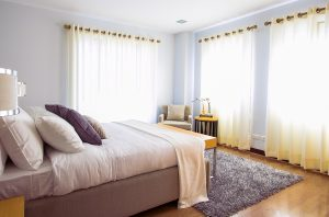 curtains in the bedroom