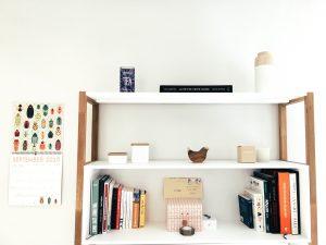 a minimalist shef