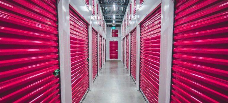 local movers Manhattan have a modern storage