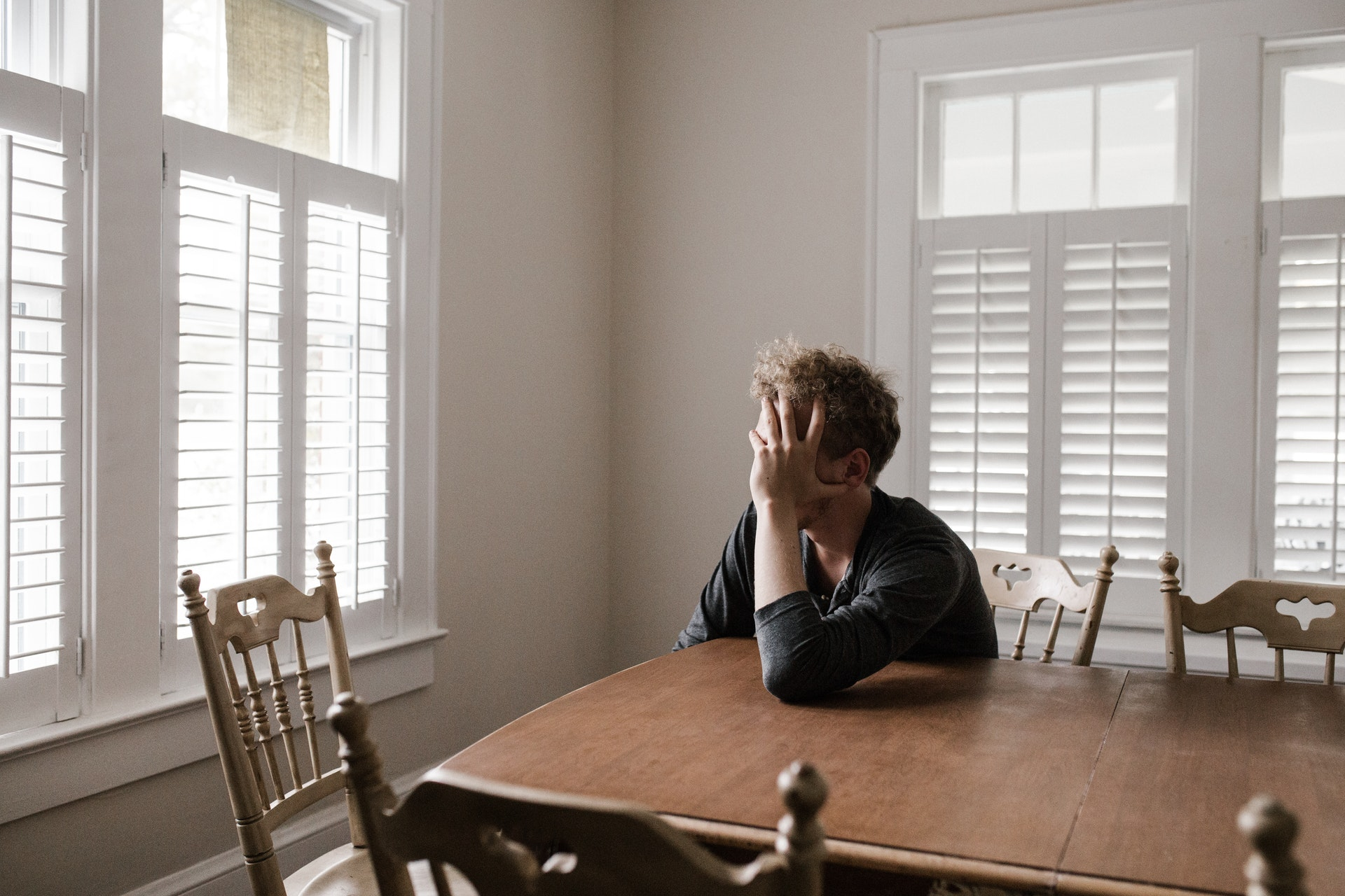 Ways to overcome long-distance moving depression