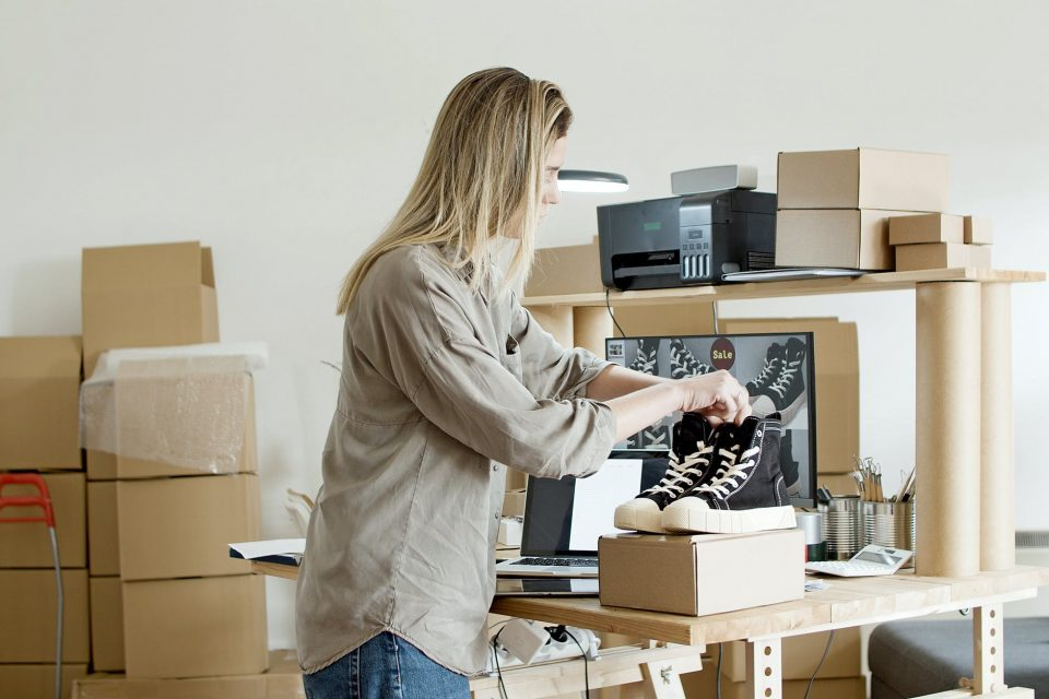 Organizing a successful pre-move garage sale