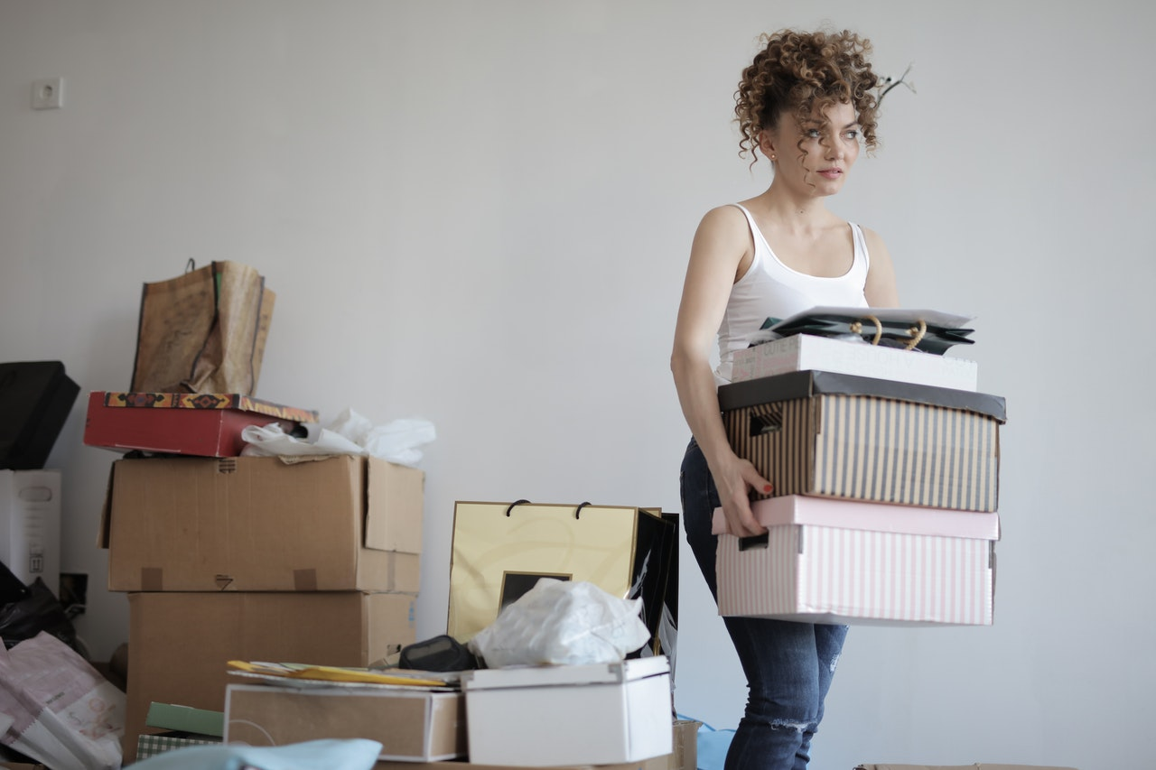 Last-minute decluttering before your move