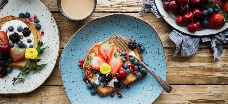 start your day in Manhattan with breakfast